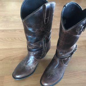 Dingo brown cowboy boots
